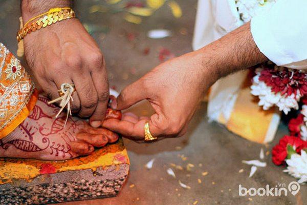 Những tục lệ cưới xin kì lạ trên thế giới