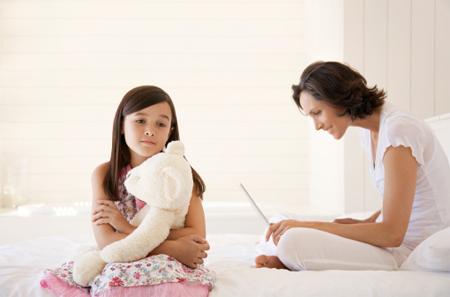 Bố mẹ làm gì khi trẻ bị stress?