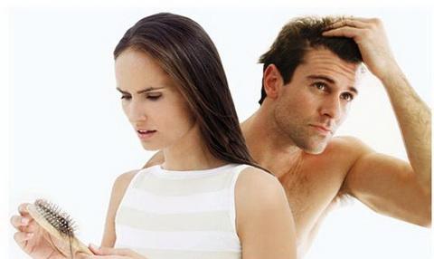 Cảnh báo chứng rụng tóc ở nam và nữ