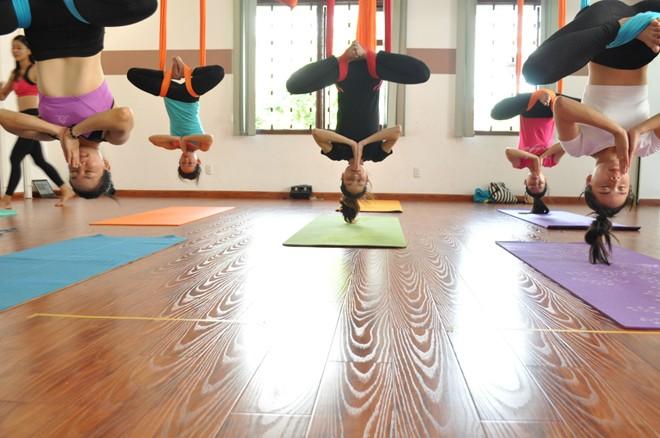 Trải nghiệm lớp yoga bay